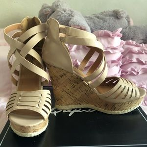 🌟 Qupid brand Wedge strappy sandals 🌟